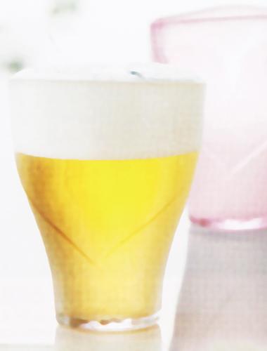 おしゃれな記念日ギフトを贈りたい方に最適な名入れグラスのイメージ画像