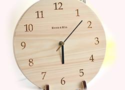 文字盤時計 表面に自由文字を彫刻可能
