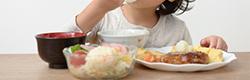 お役立ちコラム…赤ちゃんにオススメの名入れ食器とは?出産祝いギフトとしてどんなものを選べばいいかについて